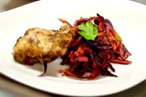 gebackener Karpfen mit Blaukraut-Kimchi