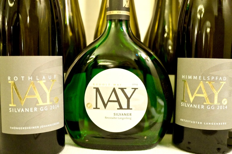 zum Geflügel der Wein von Weingut May