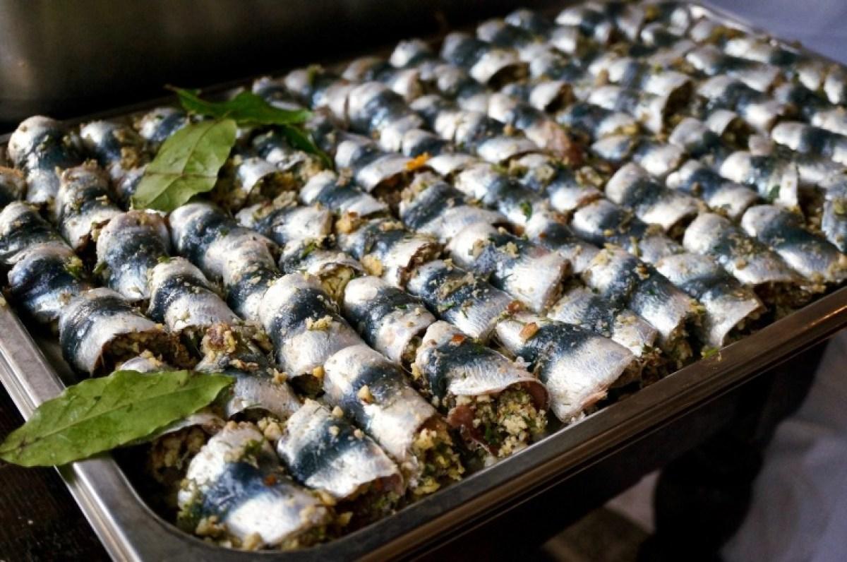 und vielleicht noch geheime Zutaten für frisch gefüllte Sardinenröllchen