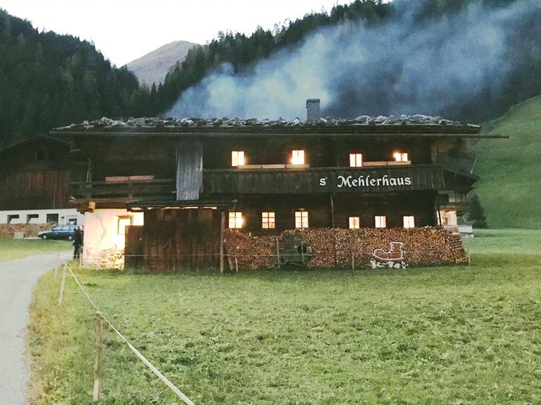 Morgens auf dem Hintertuxer Gletscher – abends grillen mit Adi Bittermann