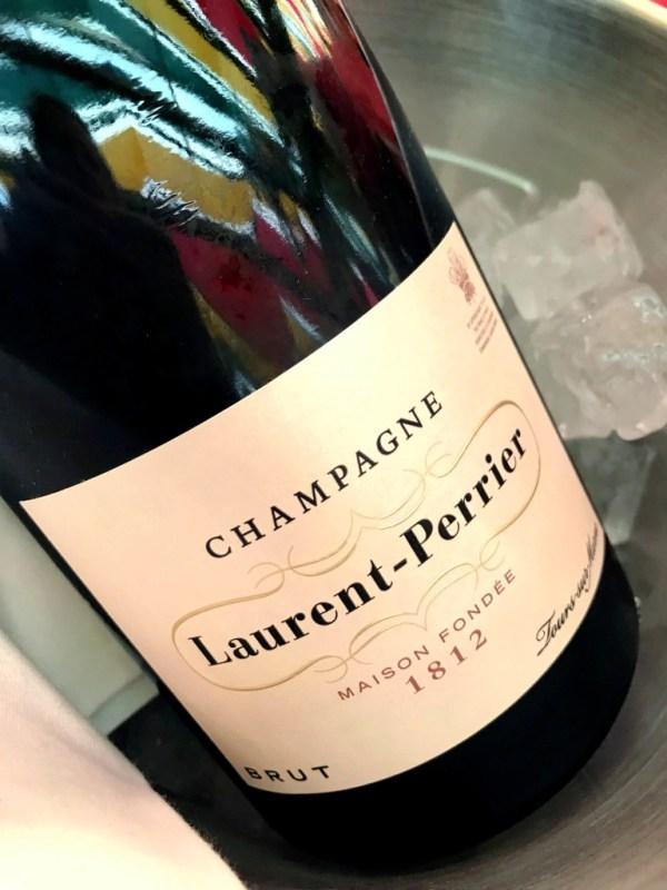 Champagner zum Brotzeitbrettl warteten
