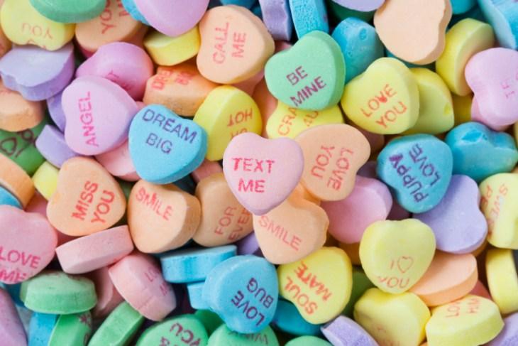 sweethearts-candy-today-main-190122_7265389f2ea48b00f44c428e495346fe.jpg