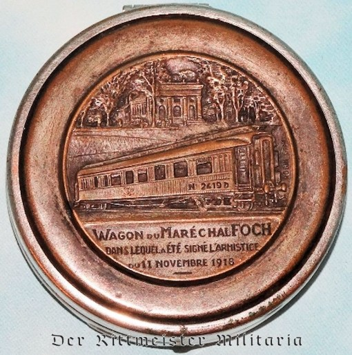 GERMANY - PILL/SNUFF BOX  - DEPICTING FRENCH RAILWAY CAR USED FOR GERMANY'S WW I SURRENDER - Imperial German Military Antiques Sale