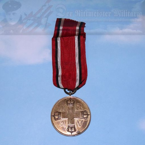 The Red Cross Medal 3rd Class was awarded to workers who assisted in Red Cross activities.