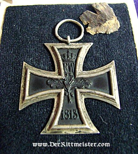 IRON CROSS - 1914 - 2nd CLASS - ORIGINAL PRESENTATION CASE - Imperial German Military Antiques Sale