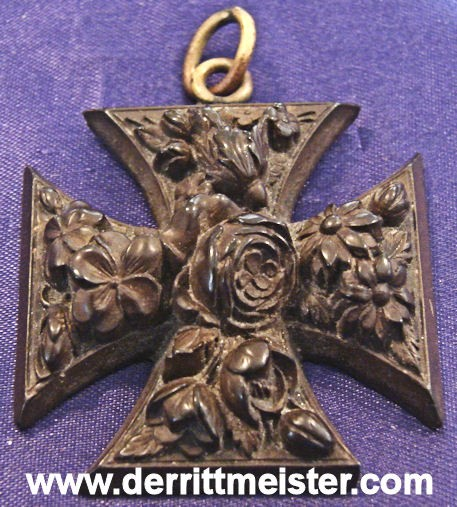 IRON CROSS - DECORATIVE HAND CARVED WOODEN - Imperial German Military Antiques Sale