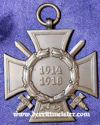 IRON CROSS - 1914 - 2nd CLASS & HINDENBURG CROSS WITH SWORDS FOR COMBATANTS IN DELUXE PRESENTATION CASE - Imperial German Military Antiques Sale
