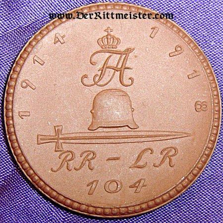 SAXONY - TABLE MEDAL - RESERVE-INFANETRIE-REGIMENT Nr 104 - MEISSEN PORCELAIN - Imperial German Military Antiques Sale