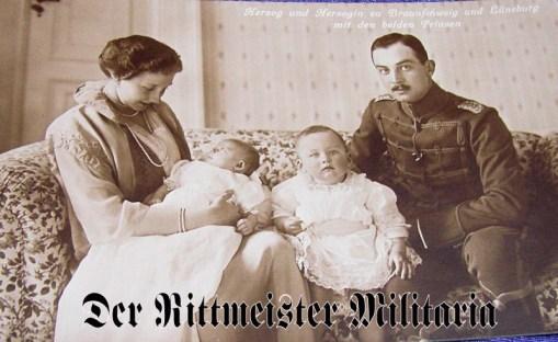 POSTCARD - DUKE ERNST AUGUST - DUCHESS VIKTORIA LUISE - BRAUNSCHWEIG - TWO CHILDREN - Imperial German Military Antiques Sale