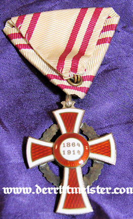RED CROSS DECORATION - WAR SERVICE - ORIGINAL PRESENTATION CASE - AUSTRIA - Imperial German Military Antiques Sale