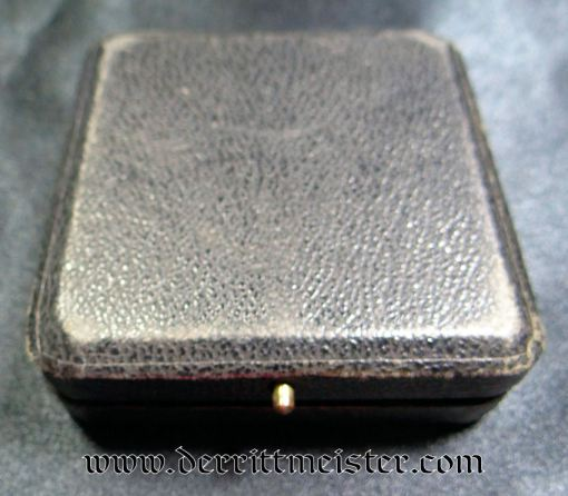 IRON CROSS - 1914 - 1ST CLASS - LOW VAULTED - HALLMARKED FOR GODET - IN ORIGINAL PRESENTATION CASE - Imperial German Military Antiques Sale