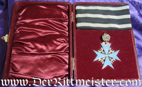 JEWELER'S/WEARER'S ORDEN POUR le MÉRITE COPY WITH OAK LEAVES IN ORIGINAL PRESENTATION CASE - Imperial German Military Antiques Sale