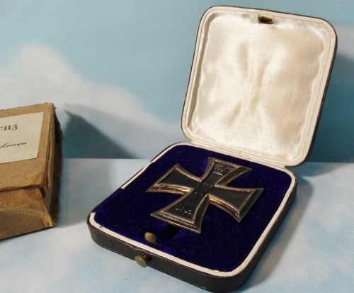 IRON CROSS - 1914 - 1st CLASS -  ORIGINAL PRESENTATION CASE AND CARDBOARD SHIPPING CARTON - Imperial German Military Antiques Sale