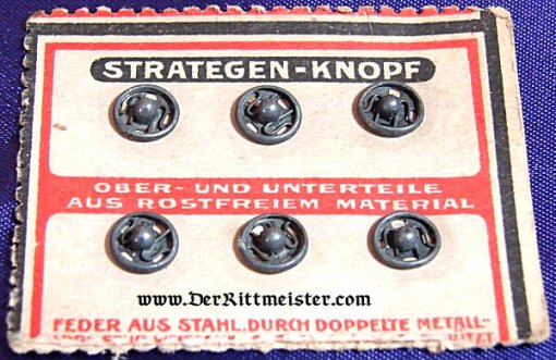 GERMANY - UNIFORM SNAP BUTTONS ON ORIGINAL SALES CARD - Imperial German Military Antiques Sale