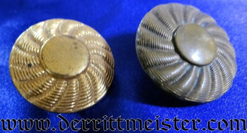 PRUSSIA - BUTTONS - HUSAREN-TUNIC - GILT-TONED - Imperial German Military Antiques Sale