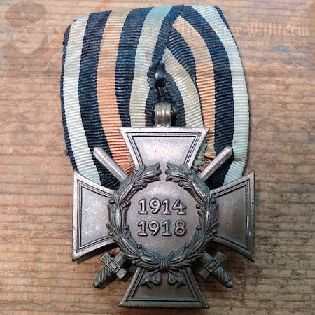 MEDAL BAR - ONE-PLACE - HINDENBURG CROSS WITH SWORDS FOR COMBATANTS