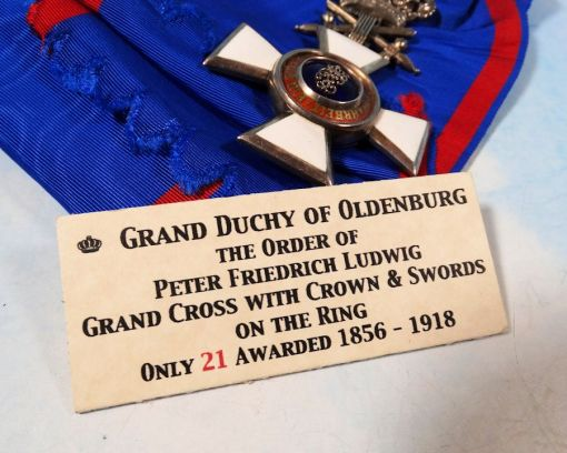 OLDENBURG - GRAND CROSS WITH SWORDS ON THE RING OF THE HOUSE AND SERVICE ORDER HERZOG PETER FRIEDRICH LUDWIG - Imperial German Military Antiques Sale
