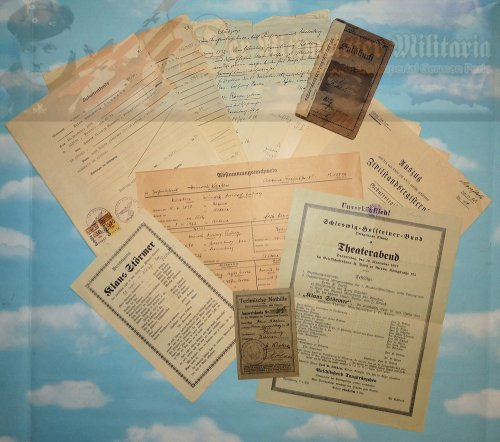 GERMANY - DOCUMENT GROUPING - TO A SOLDIER - Imperial German Military Antiques Sale