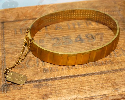 GERMANY - PATRIOTIC BRACELET - MADE FROM THE DRIVING BAND OF AN ARTILLERY SHELL