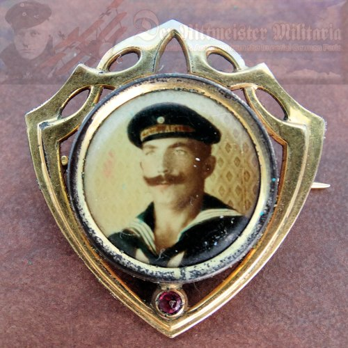 GERMANY - PIN - PATRIOTIC - COLORIZED PHOTOGRAPH - NAVY ENLISTED MAN