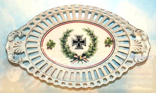 AUSTRIA / GERMANY - PLATE - DECORATIVE - COMMEMORATES THE GERMAN AND AUSTRIAN ALLIANCE OF WW I - Imperial German Military Antiques Sale