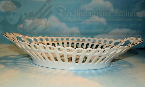 GERMANY - PATRIOTIC BREAD BASKET - Imperial German Military Antiques Sale