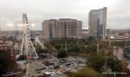 Atlanta 2015, USA: Blick auf den CNN Center, Omni Hotel, Riesenrad und vorne der Olympia Park.