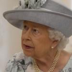 Queen looking right
