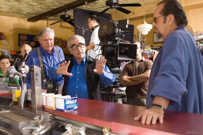Martin Scorsese spiega la scena a Jack Nicholson durante la lavorazione di The Departed.