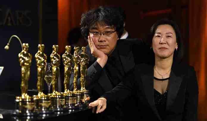 Memorie di  un assassino di Bong Joon-ho. Film del 2003 con Song Kang-ho e tratto da una storia vera. Uscito in Italia nel 2020 dopo il grande successo di Parasite.