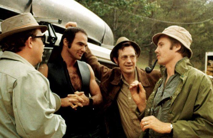 John Voight, Burt Reynolds, Ronny Cox e Ned Beatty sono ii protagonisti della pellicola del 1972, Un tranquillo weekend di paura (Deliverance).
