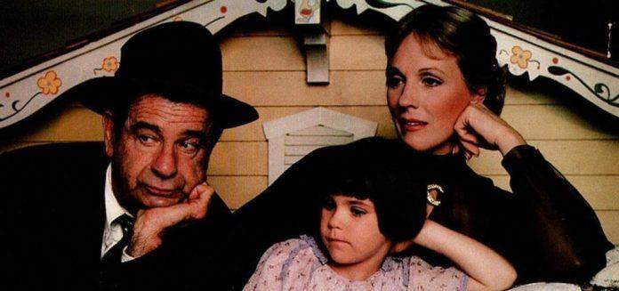 Walter Matthau, Julie Andrews e Sara Stimson sono i protagonisti di questa divertente pellicola del 1980 diretta da Walter Bernstein.