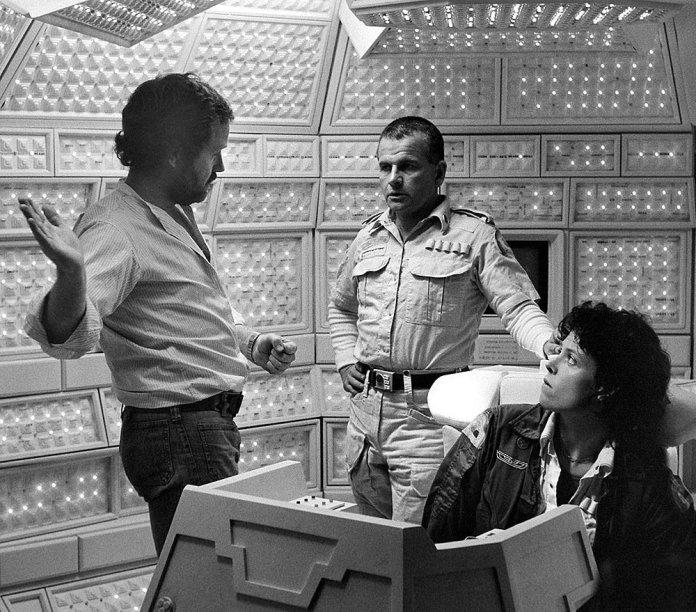 Alien, film del 1979 diretto da Ridley Scott e scritto da Dan O'Bannon e Ronald Shusett.