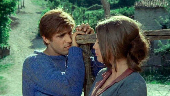 Adriano Celentano e Ottavia Piccolo in una scena del film di Pietro Germi