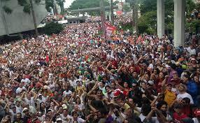 Servidores públicos protestam no Paraná