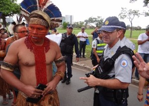 indigena_policial