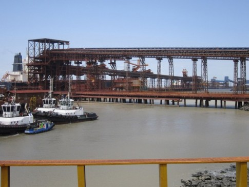 Porto Ponta da Madeira, no nordeste de onde saem os navios com minério de ferro para a China