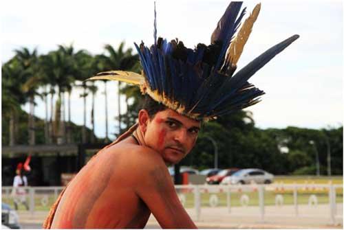 indígena adoles