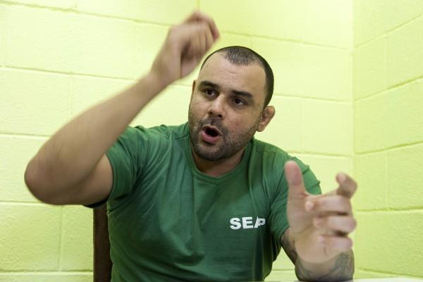 O seu livro chegou a ser proibido no Batalhão Especial Prisional prisão para policiais militares