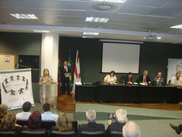 Alesc homenageia vítimas da ditadura