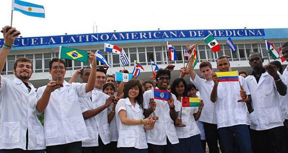 A Escola Latinoaméricana da Medicina já formou milhares de médicos do nosso continente.