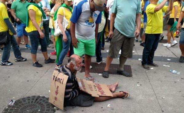 Seu José, o mendigo que protestava contra Dilma na avenida Paulista