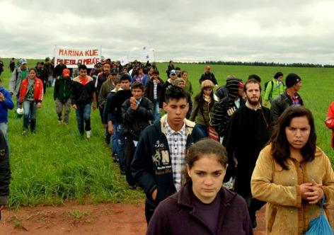 Manifestação de camponeses no lugar onde aconteceu o massacre   Foto: Mariana Serafini