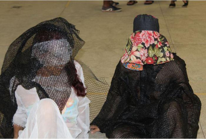 """Porto Seguro: Arte-desconstrução do corpo normativo a partir do """"Corpo que veste"""""""