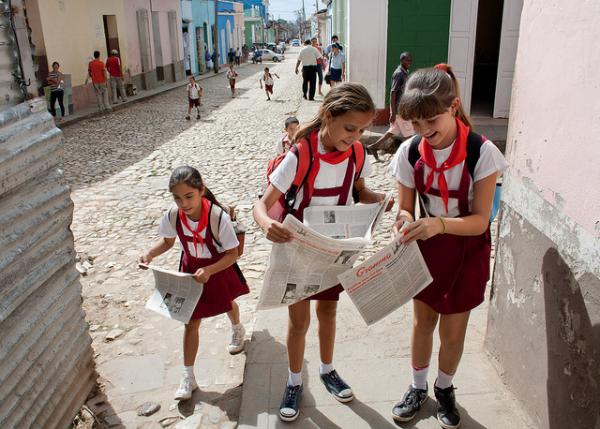 Cuba mantém uma política sustentável de educação e saúde pública, gratuita e obrigatória, segundo representante da Save the Children. Foto: Jaume Escofet