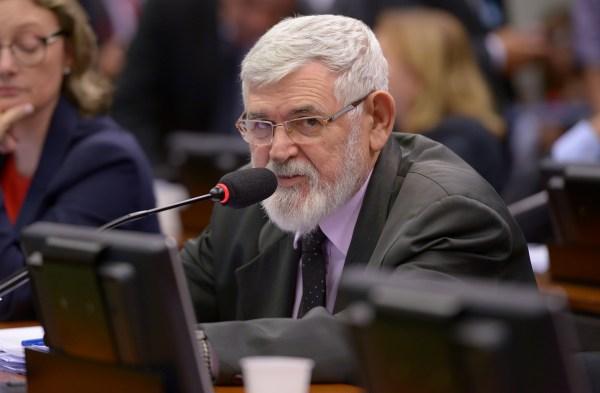 O relator, Luiz Couto: sociedade precisa reconhecer as necessidades específicas dos povos indígenas, mas sem descuidar da prestação de tratamento igualitário