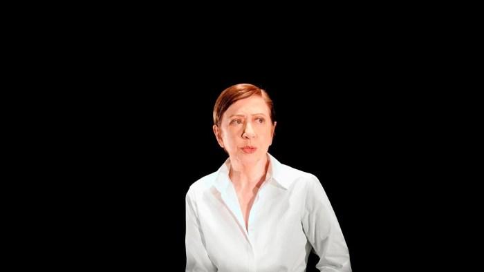 "Fernanda Montenegro lidera ""Fora Temer"" no Festival de Teatro de Curitiba; assista"