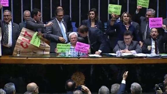 Ao vivo: Plenário da Câmara analisa reforma trabalhista