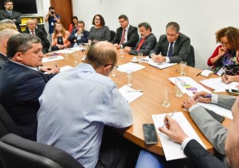 Frente Parlamentar fortalecerá a campanha por Diretas Já
