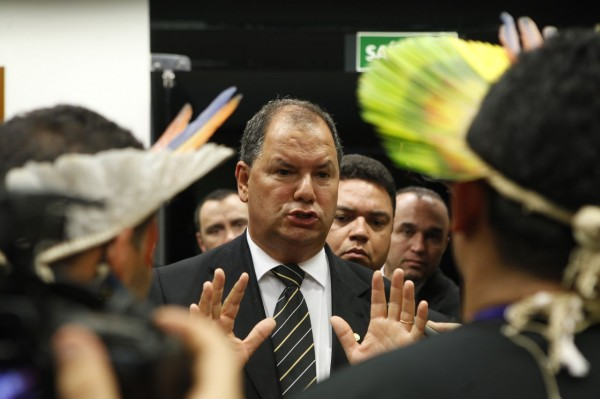 Presidente da CPI da Funai recebeu dinheiro a pedido, diz delator da JBS
